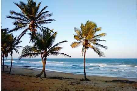 Chalé na Praia de Santo Antônio-BA - Chalet