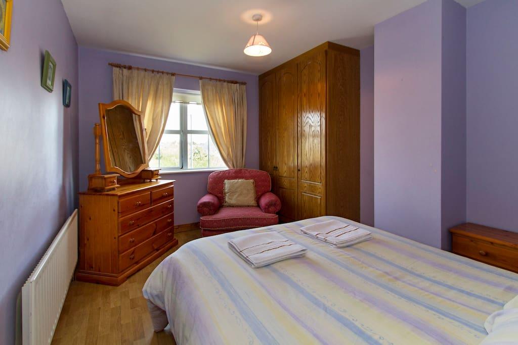 Private room (no shower facility)