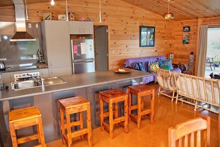 Pohutukawa Lodge - Casa