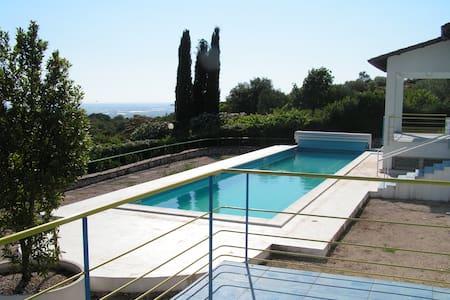 Villa with pool and stunning views - Villa