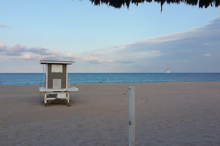 Beach Townhouse on Singer Island - Ház