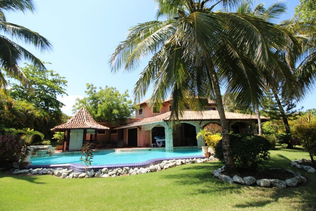 Lovely 4 bedroom villa in SHR