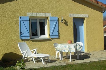 Studio/mezzanine tout confort neuf - Villa