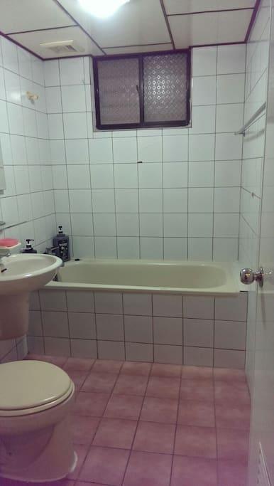 Private bathroom of suite room
