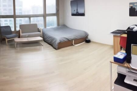 High Quality Night in Songdo Incheon - Yeonsu-gu - Apartamento