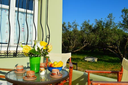 Cozy apartment surrounded by nature - Polemarchi - Appartement