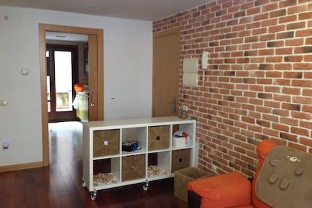 Apartamento 70m. Garaje. Lujoso.