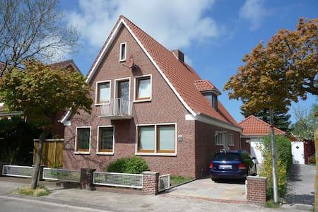 Norden Ferienhaus freistehend - Norden - Dom