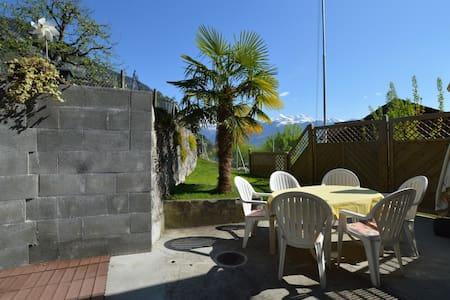 Chalet mit See- und Alpensicht - Merligen - House