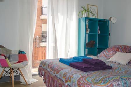 Double room in Ruzafa - Free wifi - Lgtb Friendly - València - Apartment