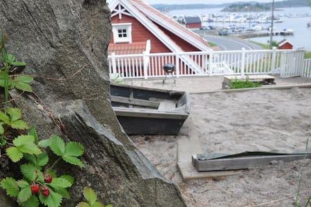 Beachside apartment w/ playground - Apartamento
