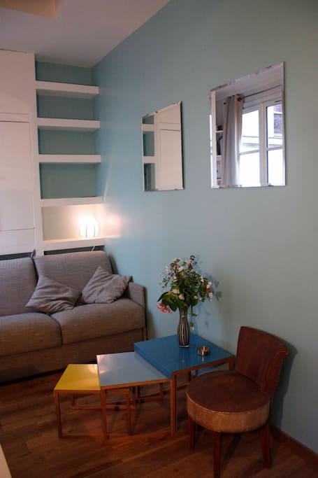 One room flat in  Le Marais