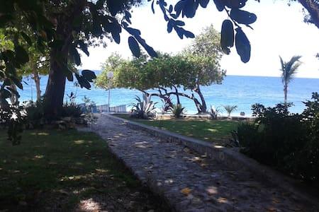 Kaliko Beach Club-Ocean View Room - Arcahaie