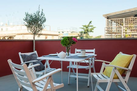 ROMA -LOVELY PENTHOUSE with TERRACE