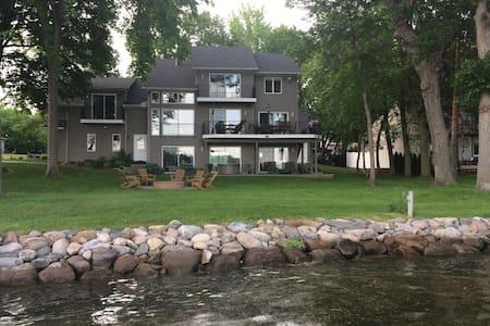 Lake Minnetonka Lakehouse Vacation or Ryder Cup! - Ház