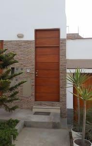 moderno piso en San Bartolo a solo 45 m de Lima. - Apartamento