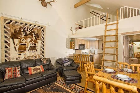 This cozy one-bedroom/two-bath condo has a ski-in/ski-out location at the base of Chair 7 in the town of Telluride. This is one of the few ski-in/ski-out locations that also has the convenience of being in town. The master bedroom has a king-size bed and an office area with couch and fax. The living area has a separate full bath and sleeper sofa. Granite countertops complete the updated kitchen.