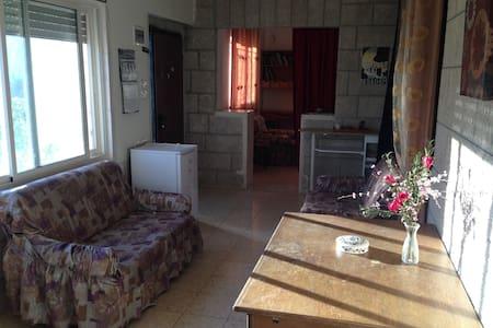 Sam's Garden Beit Sahour/Bethleh - アパート
