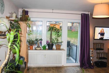Vollausgestattete Wohnung + Balkon - Apartamento