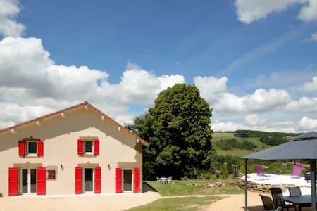"""Gîte """"Les Rivoires"""" avec Spa 160m² - Haus"""