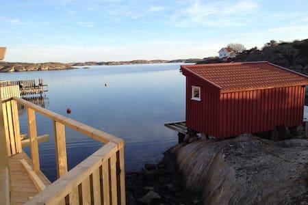 Nybyggt hus vid havet! Tjörn - Dom