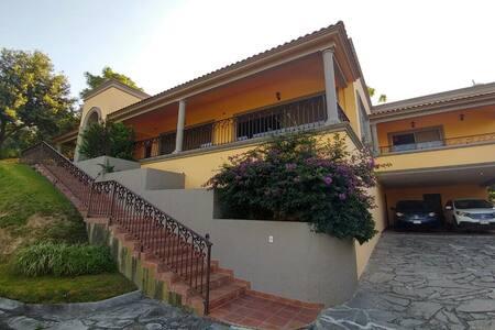 Casa Campestre en zona privada - Santiago - Ev