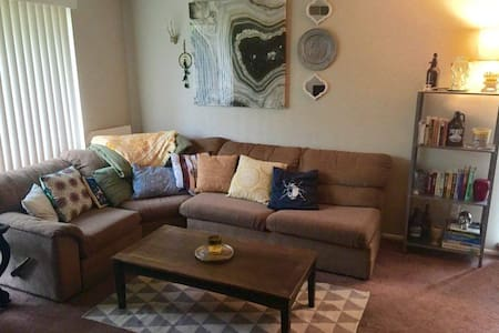 DELCO condo near Philly! - Wohnung