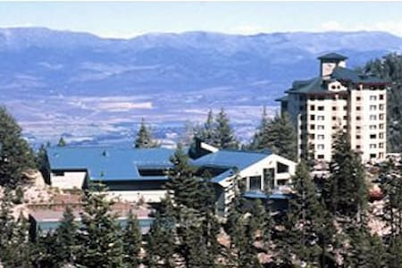 Ridge Tahoe Condo at Heavenly Stagecoach Chairlift - Stateline