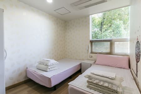 10 minutes from the airport. 15 min - Seosa-ro, Jeju-si - Bed & Breakfast