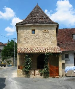 Restored 16th Century holiday home - Lanquais - Hus