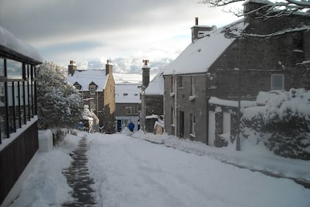 a double bedded airy room - Lerwick - Bed & Breakfast