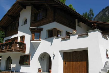 Traditional Swiss chalet (superior) - Bed & Breakfast
