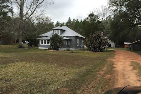 Family Farmhouse - Ház
