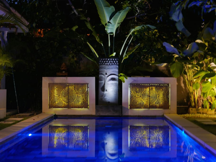 Unique Pool Feature by night