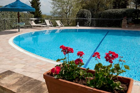 """""""Francesca house"""" with private pool - Casa"""