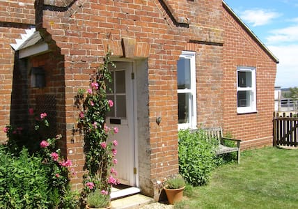 Ashbridge Cottage B&B, Isle of Wight - Kingston - Bed & Breakfast