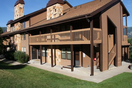 Newly Renovated Condo at Wolf Lodge - Lakás
