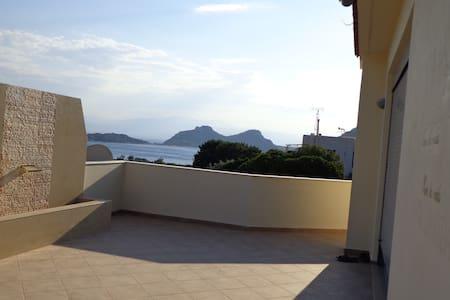 Room type: Entire home/apt Property type: Villa Accommodates: 10 Bedrooms: 5 Bathrooms: 6