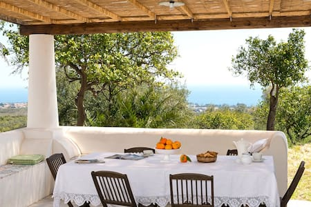 Country house, sea and Etna views - Loft