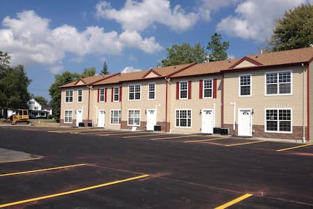 Fully furnished three bedroom townhouses available in August 2014  •Master Bedroom with Private Bathroom •Minutes from the Fashion Outlet Mall, Wegman's, Walmart Super Center, Niagara Falls State Park