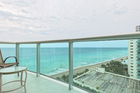 Amazing Ocean Front- 2 Bedroom WOW