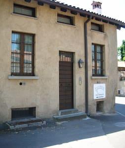 The Castle Inn - Bornato - Bed & Breakfast