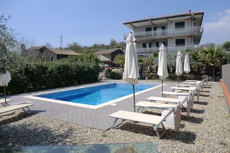Holiday House Don Salvatore - Santa Venerina - Villa