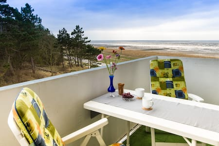 Seaside flat + roofed beach chair - Appartement