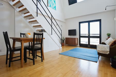 Warehouse loft by riverside Wapping - London