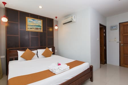 B st king, close to everything - Patong - Guesthouse