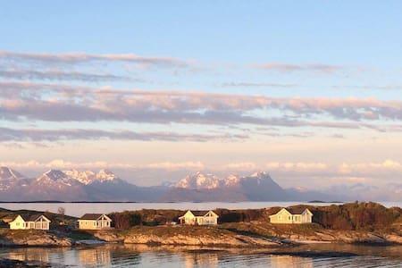 Superior Cottage with Sea View in Senja Norway - Skrollsvika - Kabin