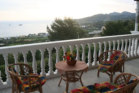 An apartment with fantastic views. - Agia Marina