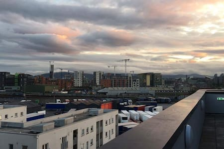 Central Dublin - Big, Modern, Spacious 2br flat - Dublín - Pis