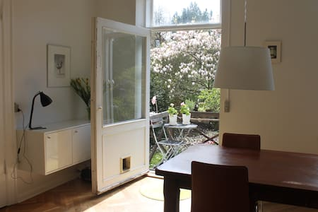 We rent out our beautiful villa apartment in the heart of Copenhagen. Stay in tranquil and idyllic surroundings with garden acces in a popular neighborhood in Copenhagen close to the zoo and many cafes.